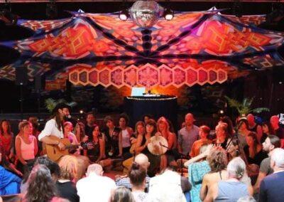 Mantra's zingen – Elias Hering